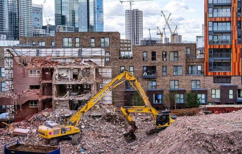 Remove dependencies: demolishing old buildings